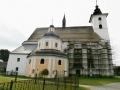 Kostel s kaplí sv. Kříže (pohřební kaple)