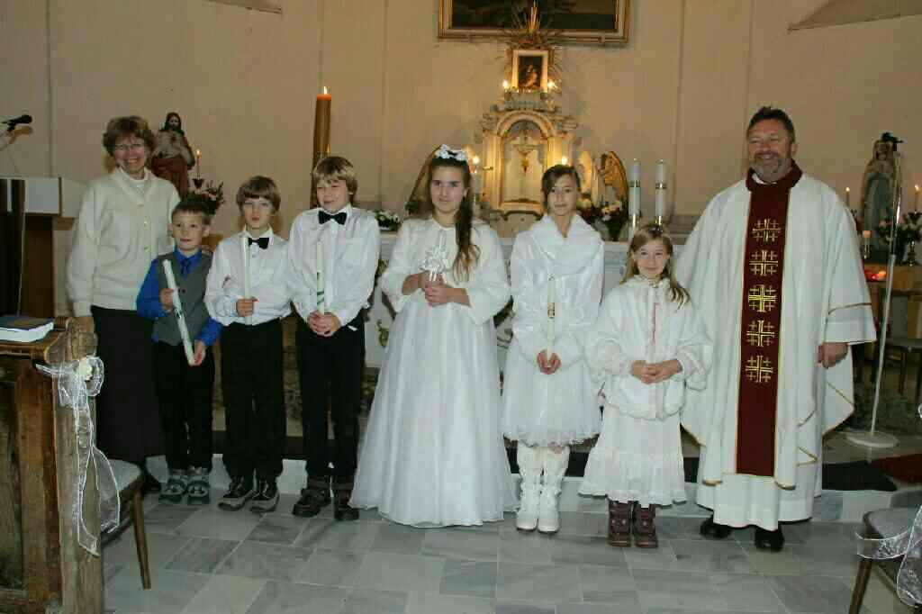 5 dětí z Loučné a jedno ze Sobotína k prvnímu svatému přijímání
