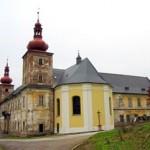 Vízemberský (loučenský) zámek s kaplí sv. Cyrila a Metoděje