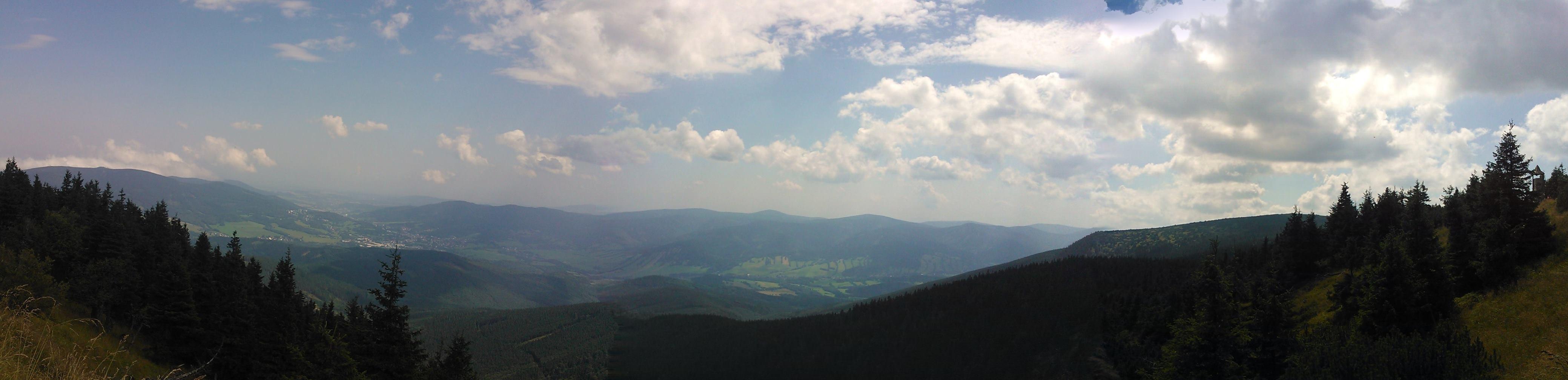 panorama_údolí_podesní.jpg