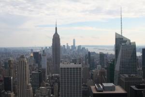 Manhattan - Vysoká v-- uprost-ed je Empire, vzadu vpravo stály Dvoj-ata (1)
